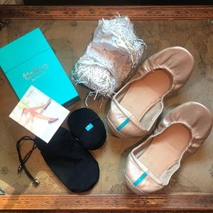 NEW Limited Edition Champagne Gold Tieks size 8